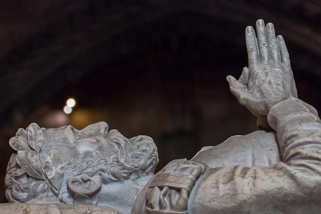 Fermer la vue détaillée du tombeau du découvreur de la route maritime vers l'inde