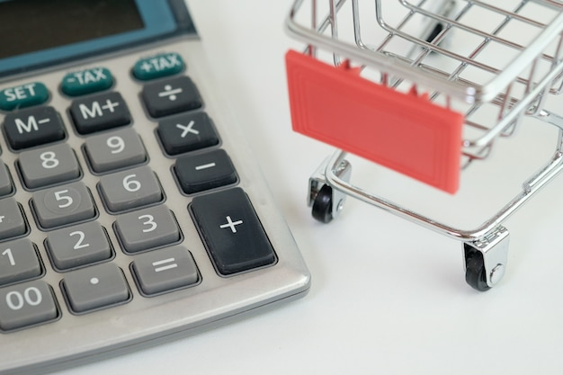 Fermeture de la calculatrice et du panier d'achat