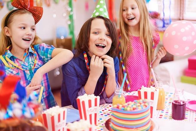 Fête d'anniversaire uniquement avec les meilleurs amis