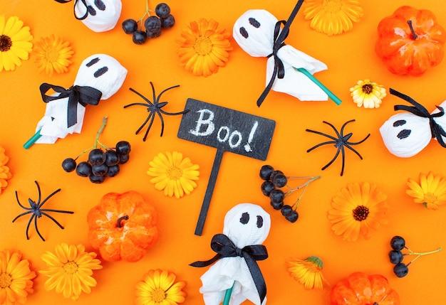 Fête d'halloween nourriture pour enfants décorée boo des bonbons ou un sort