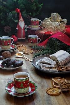Fête de noël avec des gâteaux faits maison