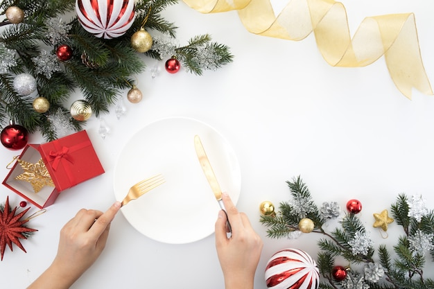 Fête de noël nouvel an table dîner fond célébrer l'heure
