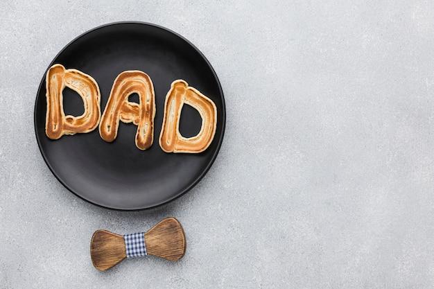 Fête des pères avec petit déjeuner sur plaque