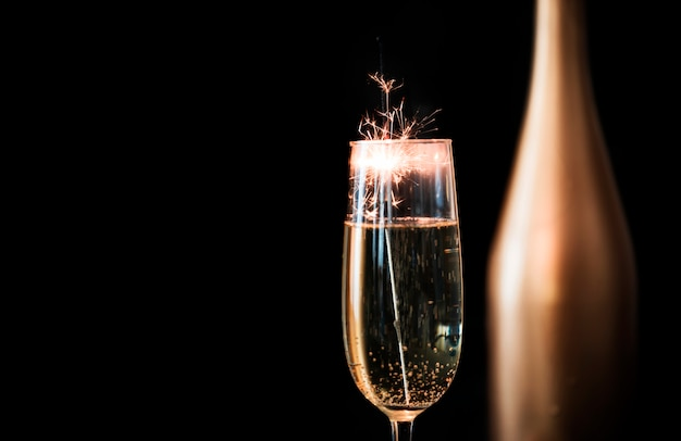 Feu de bengale en verre de champagne