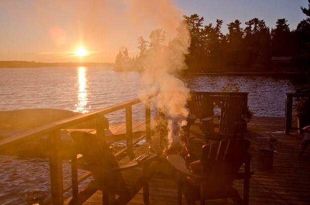 Feu de camp, lac des bois, ontario, canada