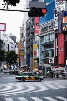 Feu de circulation pour les rues de la ville