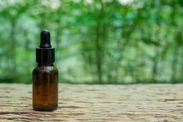 Feuille de cannabis extraite de l'huile de chanvre.