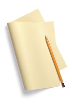 Feuille de papier jaune, pliée en deux sur blanc