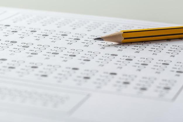 Feuille de pointage du test avec réponses