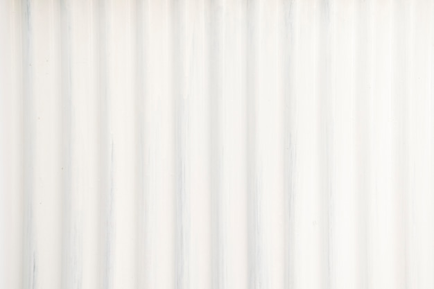 La feuille de zinc est de fond et de texture de couleur blanche