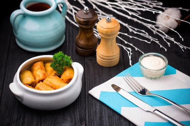 Feuilles de chou farcies à la viande hachée et au riz