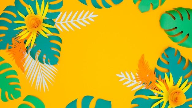 Feuilles et fleurs colorées