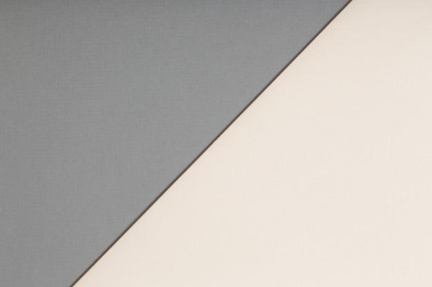Feuilles de papier gris et beige
