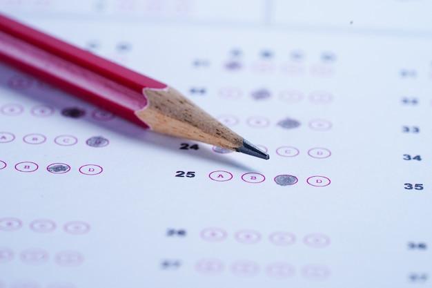 Feuilles de réponses avec remplissage au crayon pour choisir