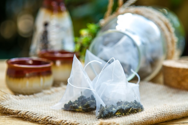 Feuilles de thé sec
