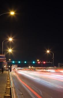Feux de circulation des voitures