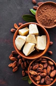 Fèves de cacao, poudre et beurre de cacao