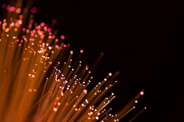 Fibres optiques dorées avec espace de copie