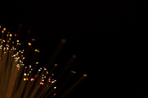 Fibres optiques jaunes avec espace de copie