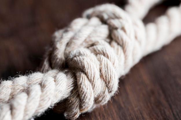 Ficelle forte corde floue blanche