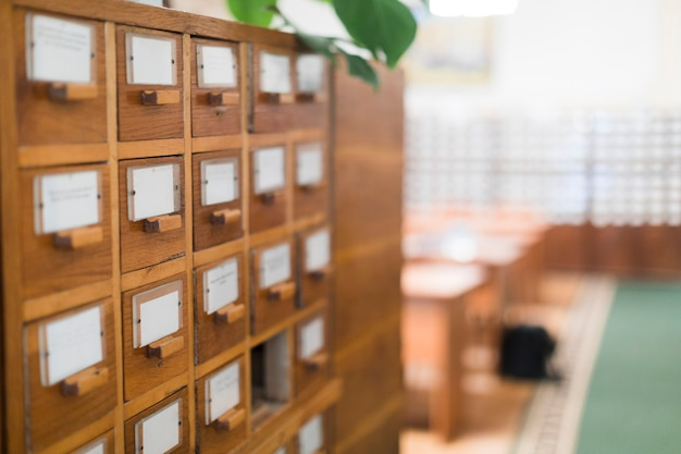 Fiches de cartes dans la bibliothèque