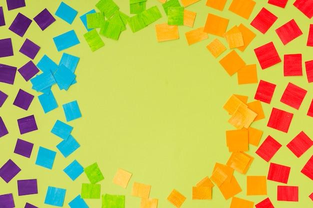 Fierté lgbt société jour des morceaux de papier colorés