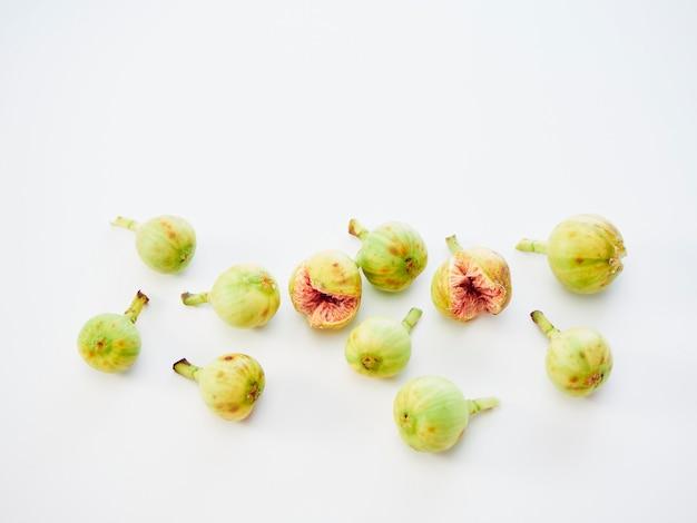 Figues aux feuilles