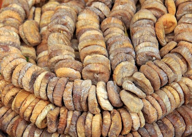 Figues sèches à vendre sur le marché.