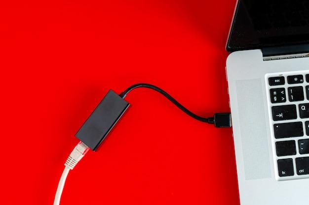 Fil de carte lan ethernet pour se connecter à l'ordinateur de bureau