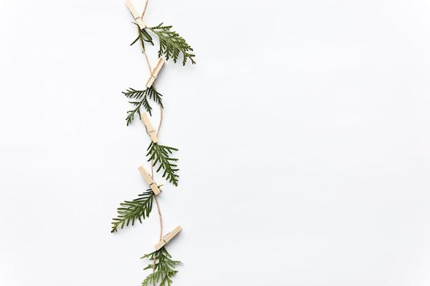 Fil avec des feuilles