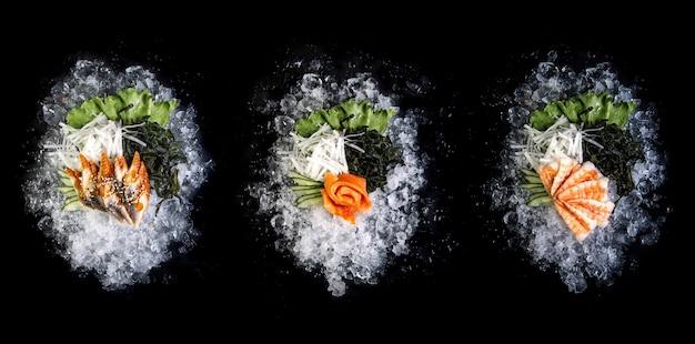 Filet de poisson coupé sur glace sur fond noir