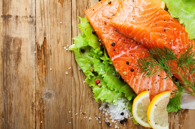 Filet de saumon délicieux, riche en huile oméga 3