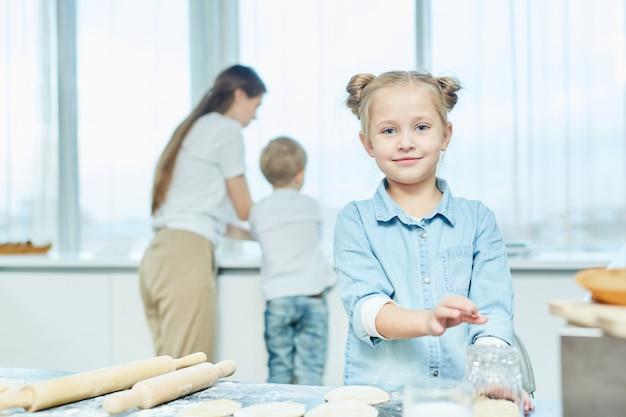 Fille de cuisine