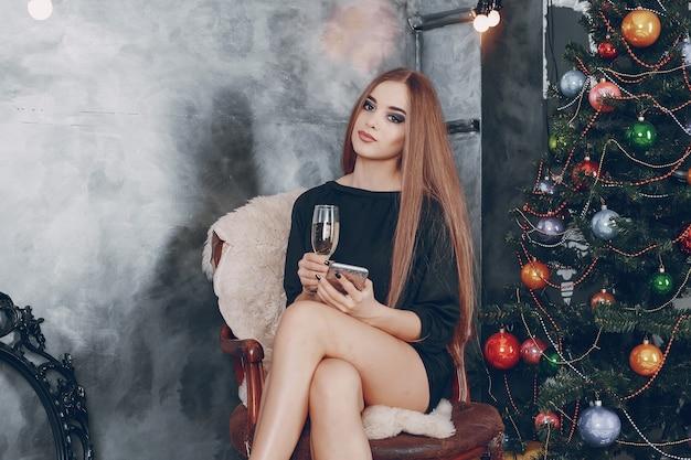 Fille avec du champagne
