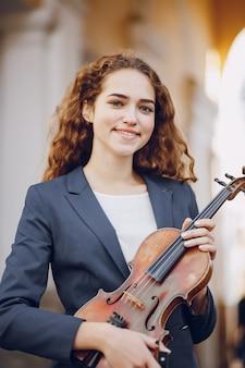 Fille avec du violon