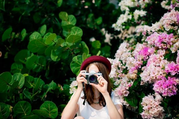 Fille femme caméra photo de photographie occasionnelle concept