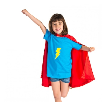 Fille habillée comme un super héros