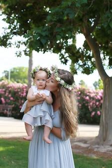 Fille mère, la relation entre fille et mère