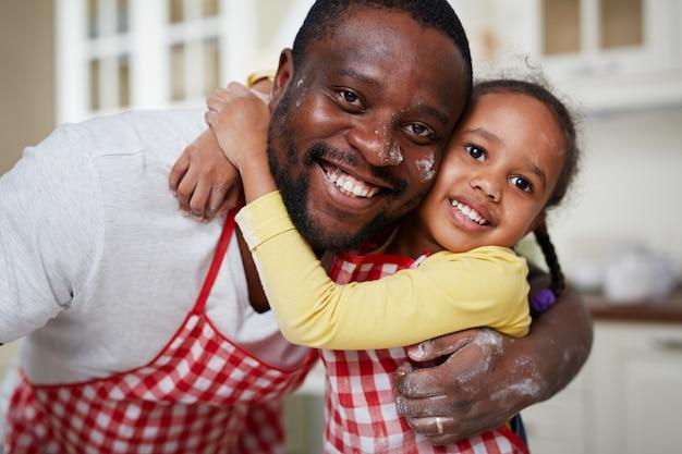 Fille avec père