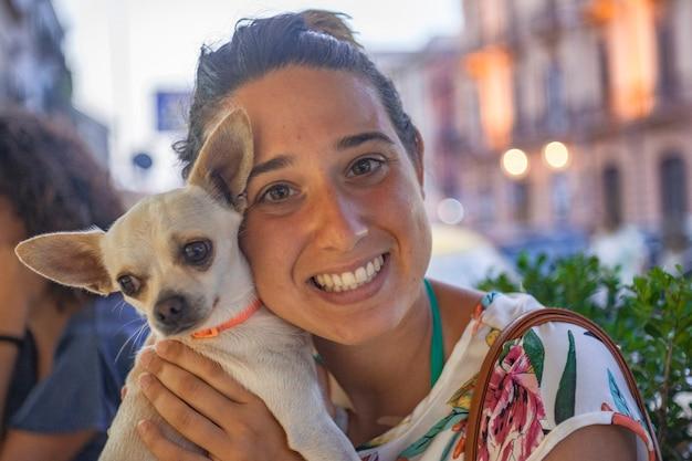 Fille de portrait avec chihuahua #5