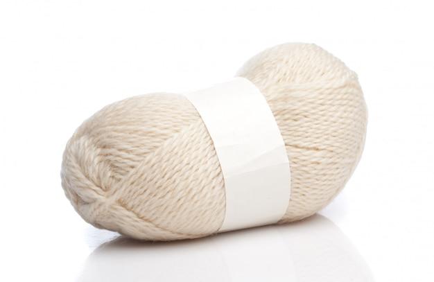 Fils de laine blanche