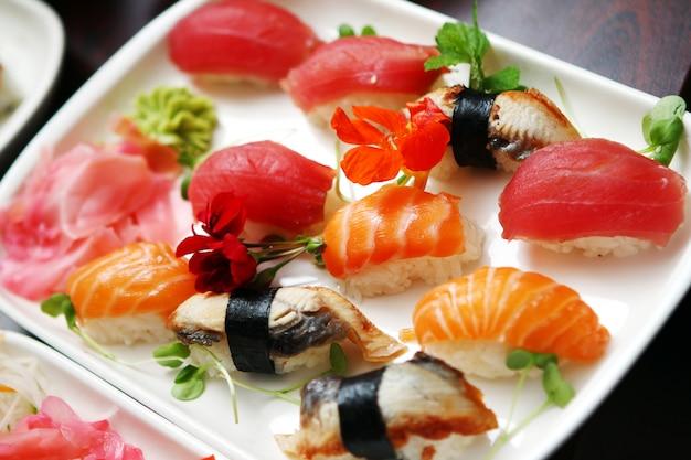 Fin, haut, différent, sushi