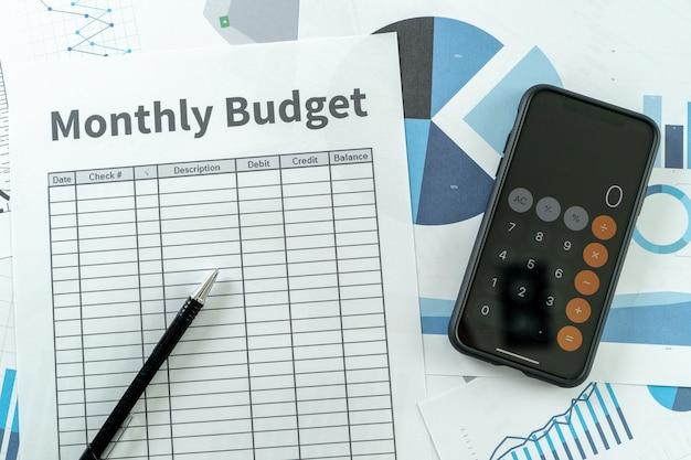 Finance analyse des données avec calculatrice economie budget de planification des investissements