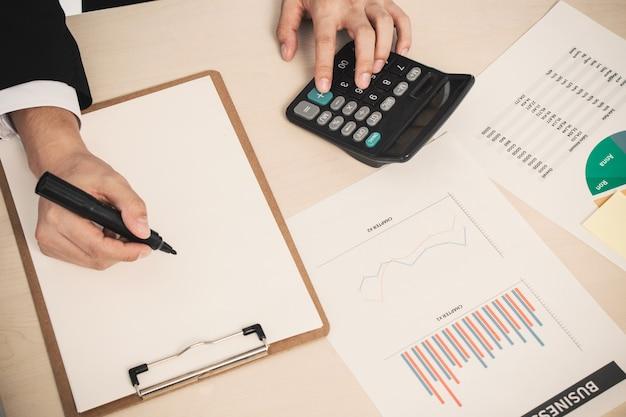 Finance tablette de données paiement financier