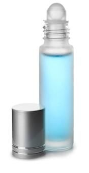 Flacon de parfum roll-on sur blanc