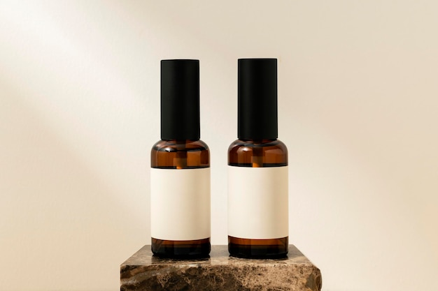 Flacon pulvérisateur d'huiles essentielles, produit de beauté aromatique sans étiquette