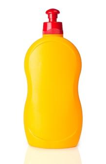 Flacon pulvérisateur transparent jaune sur fond blanc