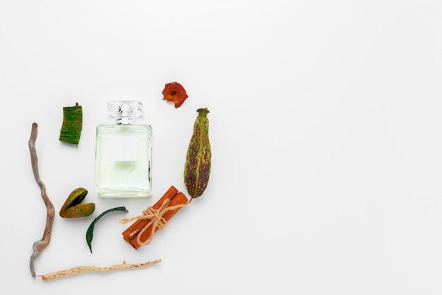 Flacon stylé de parfum français