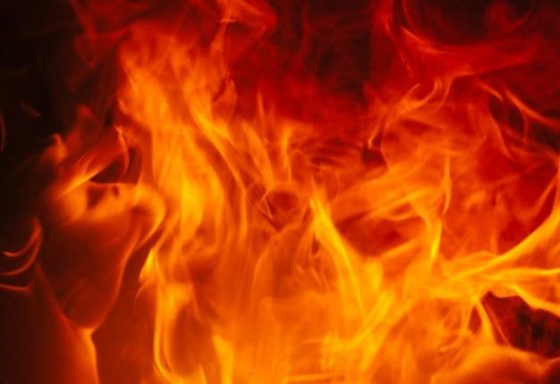 Flammes brûlantes