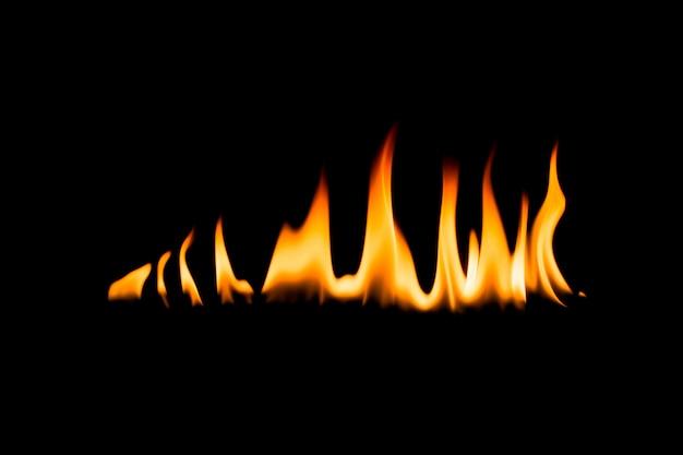 Flammes de feu. fond noir.